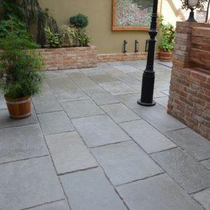 Terrassenplatten, Piazza Bellini